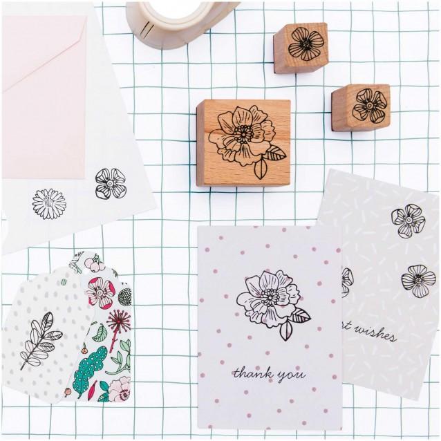 Rico Design 7 Σφραγίδες με Ταμπόν Λουλούδια 100%FSC
